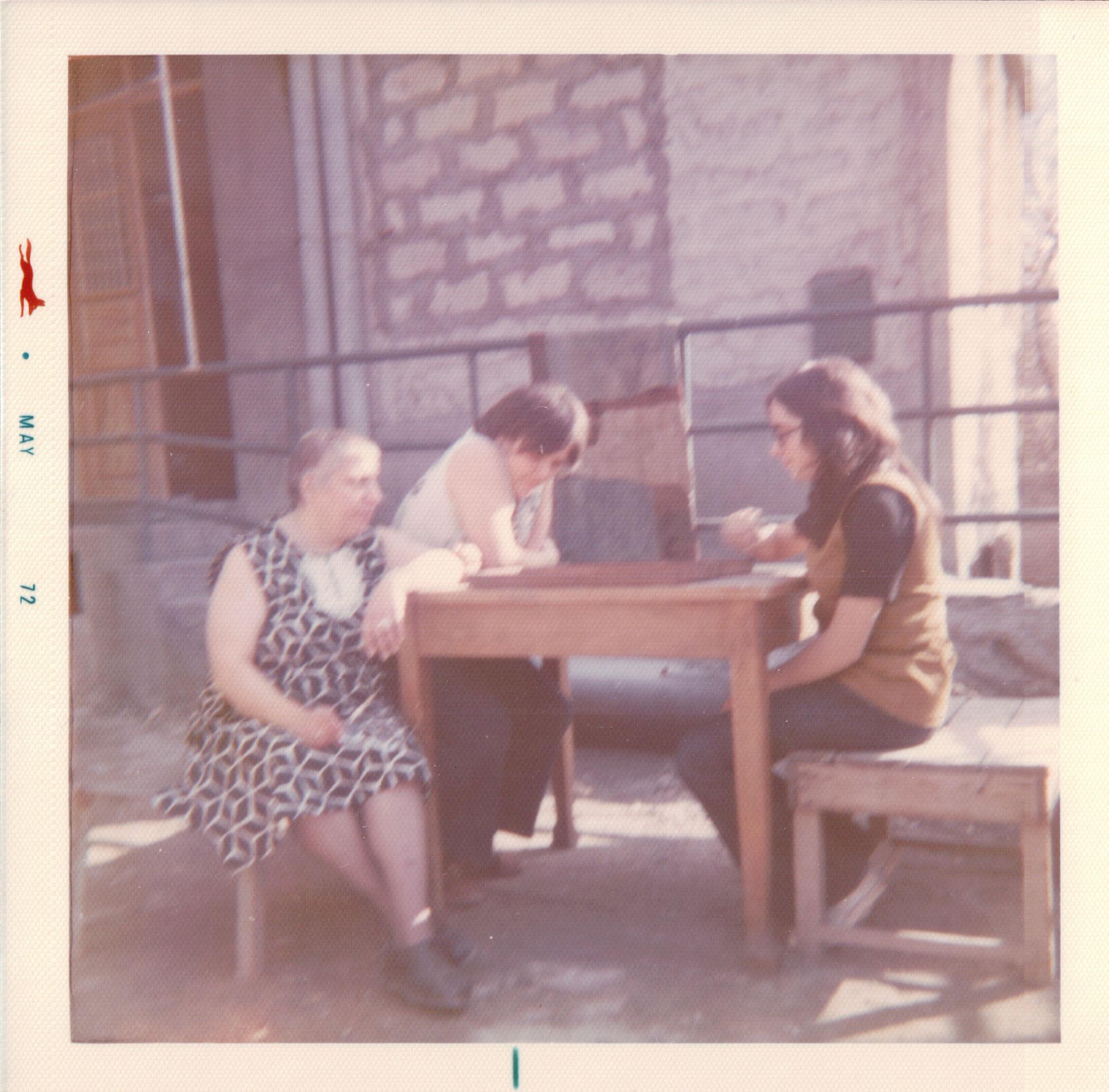 72 LLR - Lillet, Linda playing tavlee